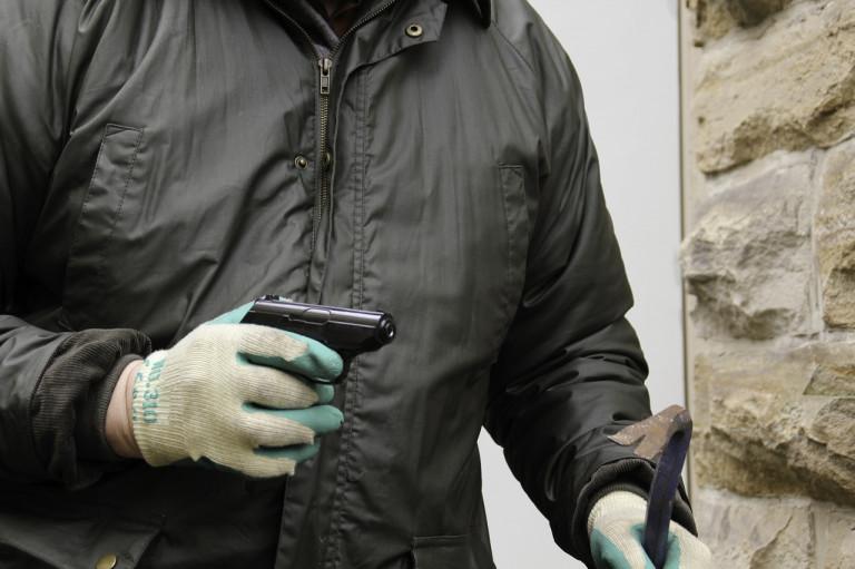 burglar-1216195_1280