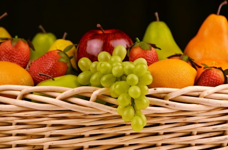 fruit-basket-1114060_640